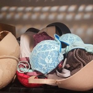 Victoria's Secret Intimates & Sleepwear - Vs bra lot